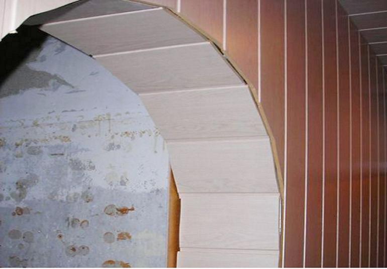 Вид арки без отделки: без применения специального уголка скрыть стык покрытия проёма арки и стен не получится