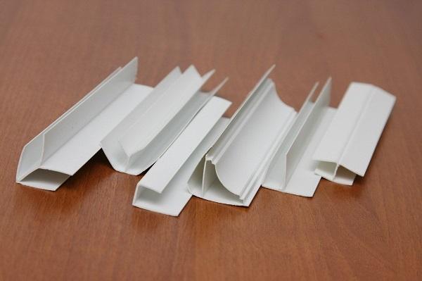 Погонажные изделия для ПВХ панелей