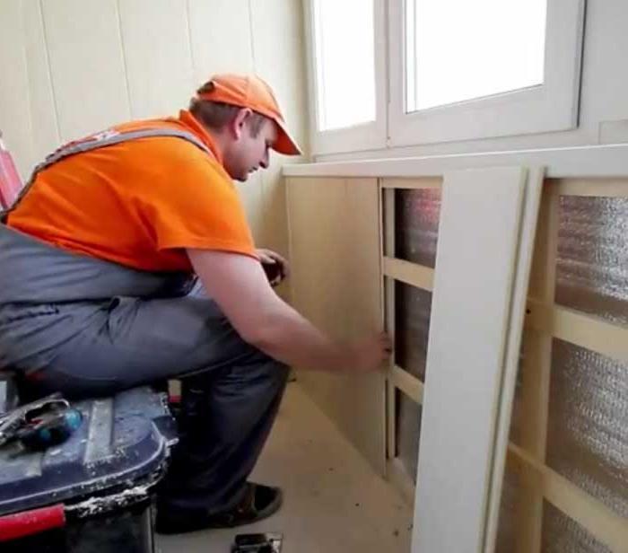 Как отделывать стены ПВХ плитами
