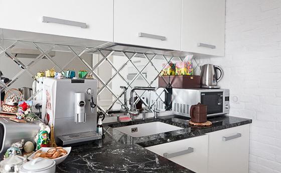 Ромбовидные панели на кухне