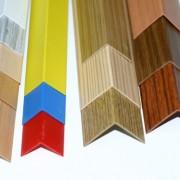 Текстурированные пластиковые уголки бывают разного цвета